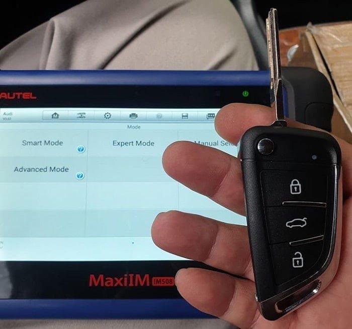 Máy chuyên cài chìa khóa ô tô