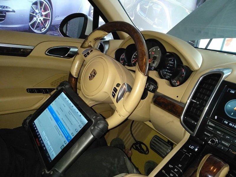 máy chẩn đoán ô tô giá rẻ nhất cho garage